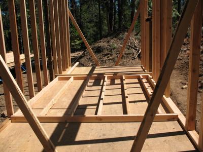 Assembling an end wall